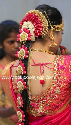 Order Fresh flower poolajada, bridal accessories from our local branches present over SouthIndia, Mumbai, Delhi, Singapore and USA. South Indian Wedding Hairstyles, Bridal Hairstyle Indian Wedding, Bridal Hairstyles With Braids, Bridal Hair Buns, Bridal Braids, Hairdo Wedding, Wedding Hair Clips, Bridal Hair And Makeup, Indian Hairstyles