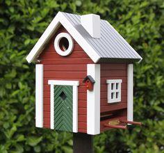 Small Sweden house birdhouse nesting box aviary in red wooden Schwedenkat – Small Balcony Decor Ideas Villa Plus, Sweden House, Small Balcony Decor, Yellow Cottage, Home Garden Design, Backyard, Patio, Bird Houses, Bird Feeders
