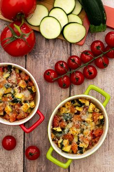 Gratin de courgettes et tomates au parmesan - Amandine Cooking Zucchini and tomato gratin with parme Vegetarian Zucchini Recipes, Vegetarian Casserole, Vegetarian Recipes Videos, Healthy Casserole Recipes, Casseroles Healthy, Cooking Zucchini, Clean Eating Breakfast, Clean Eating Dinner, Easy Healthy Dinners