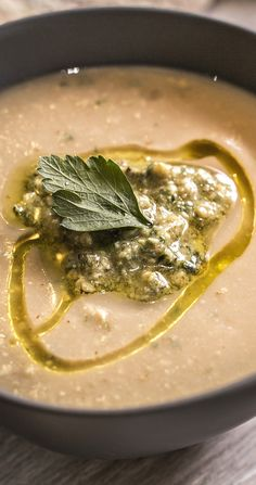 A pesto with a difference. Roasted walnuts make this pesto not only tasty, but more affordable. Thermomix Recipes Healthy, Healthy Eating Recipes, Roasted Walnuts, Walnut Pesto, Pesto Recipe, Curry, Vegetarian, Tasty, Sauces