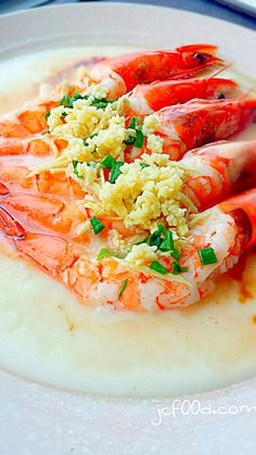 Steamed prawns with egg white and wine
