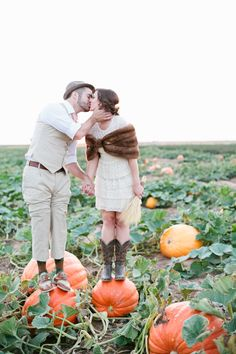 Who knew a pumpkin patch could be so cute? #engagement Photography: Mallory Morgan Photography - mallorymorganphotography.com View entire slideshow: Engagement Session Ideas on http://www.stylemepretty.com/collection/515/