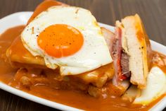 Menja Portugal a Barcelona: els millors restaurants i botigues portugueses Restaurant, Breakfast, Food, Morning Coffee, Eten, Restaurants, Meals, Dining Room, Morning Breakfast