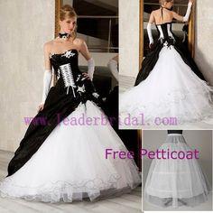 Robe de mariee noire gothique