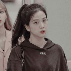 ⃕ K N A W─ ・゚-𝓳𝓲𝓼𝓸𝓸ˎˊ- South Korean Girls, Korean Girl Groups, K Pop, Black Pink ジス, Divas, E Piano, Blackpink Members, Blackpink Photos, Blackpink Jisoo