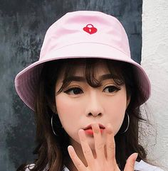 Red heart bucket hat with embroidery for teenage girls cotton hats