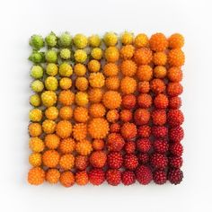 Emily Blincoe creates visually satisfying arrangements of everyday objects, organized by size, color, and shape. #color #photography #food