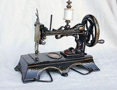 "Toy sewing machine by Benoit Lakner ""La Favorite Enfentine"" - Paris"