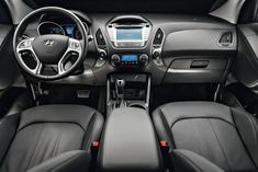 Jeep Compass Longitude Flex x Hyundai GL Kona Hyundai, Hyundai Suv, Jeep Compass, Cartoon Wallpaper, Lei, Showroom, Vehicles, Cars, Interior