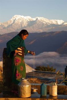 (By Tsem Rinpoche) Nepal, officially known as the Federal Democratic Republic of Nepal, is a landlocked central Himalayan country in South Asia. Religions Du Monde, Cultures Du Monde, Sri Lanka, Voyage Nepal, Monte Everest, Vietnam, Asia Travel, Vacation Travel, Solo Travel