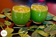 Szpinakowe pole #zielonykoktajl Przepis na blogu: http://www.jagodowyfitstyl.pl/2015/03/5-zdrowo-zmiksowanych-koktajli-na.html #szpinak #koktajl #fit #zdrowie #zdroweodżywianie