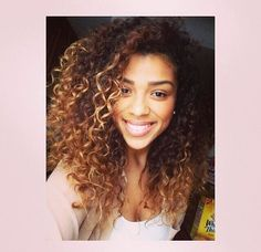 Natural curly hair with high lights you can create with Colour Bunz