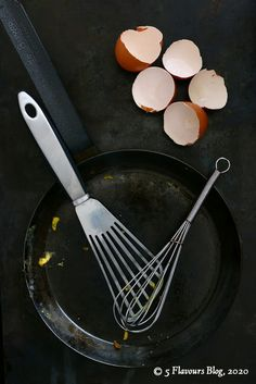 Crepe pan & utensils.