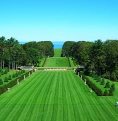 20 Places to visit in Massachusetts  1. Castle Hill at The Crane Estate