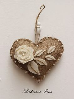 Kochetova Inna - Rustic heart with pearlsBurlap lace heart ornaments Home decor ornaments by ByKochetovaCheap DIY Jute decoration and ornaments for ChristmasComments in Topic Cheap Ornaments, Felt Christmas Ornaments, Christmas Crafts, Rustic Christmas, Christmas Christmas, Felt Decorations, Valentine Decorations, Valentine Crafts, Valentines