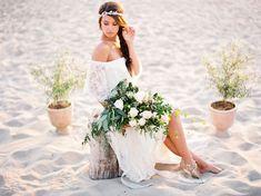 Inspiración looks de #novias y #bodas #bohochic  #fashion #hippy #hippie #etnico #etnic #bohemian ☼ ☼ Preciosas Indígenas Joyas ☼ ☼ para descubrir nuestras joyas visita nuestra #tiendaonline http://www.preciosasindigenas.com/ ☼