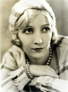 Portraits of Bessie Love by George Hurrell. Hollywood Icons, Old Hollywood Glamour, Hollywood Actresses, Classic Hollywood, Vintage Hollywood, Hollywood Stars, George Hurrell, Silent Film Stars, Movie Stars