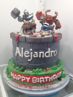 Skylander Cake-tips for grey fondant