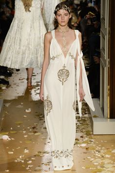 Valentino Spring 2016 Couture Fashion Show - Valery Kaufman Art Nuveux from the Orient