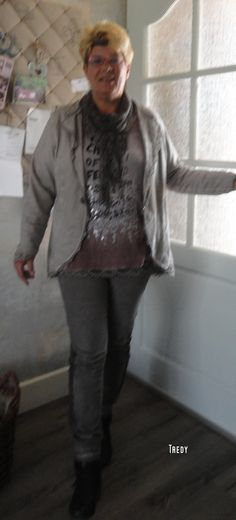 <3 Bomber Jacket, Jackets, Fashion, Down Jackets, Moda, Fashion Styles, Jacket, Fasion, Bomber Jackets