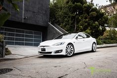 New-pearl-white-tesla-model-s-70d-19-inch-tst-brilliant-silver-wheels-2 70d, Tesla Motors, Concept Cars, Pearl White, Dream Cars, Wheels, Pearls, Retro, Model