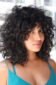 Beliebte Kurzhaarfrisuren 2018 - 2019 - The UnderCut Curly Lob, Curly Hair Styles, Curly Hair With Bangs, Haircuts For Curly Hair, Curly Hair Cuts, Hairstyles With Bangs, Natural Hair Styles, Hairstyle Ideas, Bob Haircut Curly