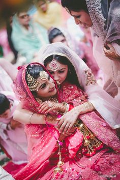 Maangtikka of the bride and bride's sister and kaleere | Weddingz.in | India's Largest Wedding Company | Wedding Venues, Vendors and Inspiration