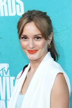 Leighton Meester's bangs-aside pony