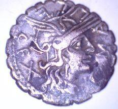 Repubblica Romana - L. Licinius Crassus & Cn Domitius Ahenobarbus DENARIO 118  A.C. Roma - Rif. 05