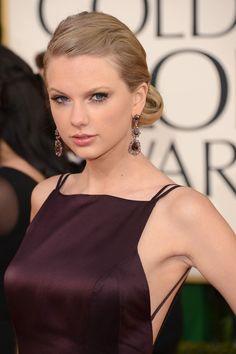 Taylor+Swift+Updos+Chignon+OdE0i8BZG4Wl.jpg (395×594)