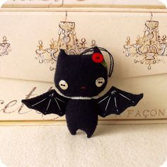 Halloween Bat Ornament PDF Pattern by 'Gingermelon' on Etsy - cute