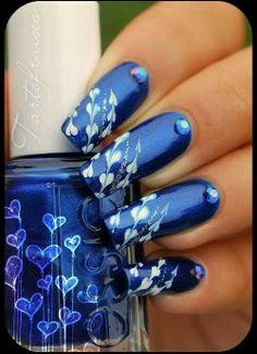Cute blue nail art design