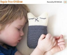 CHRISTMAS SALE Hand Knitted Kids Toy  Sleeping Kitten  от Junikid