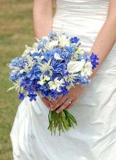 Helpful and Enlightening Insights About Blue Wedding Flowers | http://simpleweddingstuff.blogspot.com/2014/10/helpful-and-enlightening-insights-about.html