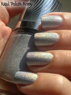 #Catrice C05 Gem Into The Future, from the Haute Future #LE #silver #flakies #linear #holo #nailpolish