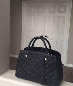 2019 New Collection For Louis Vuitton Handbags LV Bags to Have. 2019 New Collection For Louis Vuitton Handbags LV Bags to Have. Hermes Handbags, Luxury Handbags, Louis Vuitton Handbags, Fashion Handbags, Purses And Handbags, Fashion Bags, Cheap Handbags, Cheap Purses, Cheap Bags