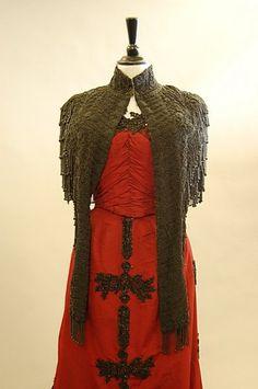 1152: A burgundy silk faille ball gown, circa 1890, Han - 5