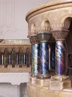 Zsolnay eosin columns