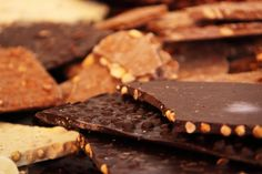 Free food stock photos and images - brown calorie candy chocolate food sweets desserts. Fun Easy Recipes, Healthy Soup Recipes, Whole Food Recipes, Eat Healthy, Baby Recipes, Healthy Living, Happy Chocolate Day, Chocolate Bark, Chocolate Lovers