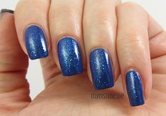 Blue Frosty Nails mit Luminous Blue (P2, Inspired By Light)
