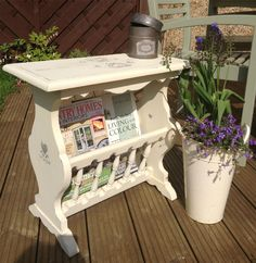 Table with magazine rack. Painted in creamy old white and lightly distressed… Refurbished Furniture, Paint Furniture, Furniture Makeover, Magazine Table, Wood Magazine, Diy Home Crafts, Fun Crafts, Recycled Dresser, Diy Magazine Holder