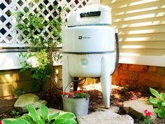 Upcycle an Old Washing Machine Into an Outdoor Water Fountain >> http://blog.diynetwork.com/maderemade/2015/07/20/7-gorgeous-water-features-to-cool-off-your-outdoors/?soc=pinterest