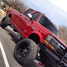 Powerstroke Ford Trucks Not a ford guy but it's a good looking truck Ford Pickup Trucks, Lifted Ford Trucks, 4x4 Trucks, Custom Trucks, Cool Trucks, Lifted Chevy, Chevrolet Trucks, Lifted Jeeps, Farm Trucks