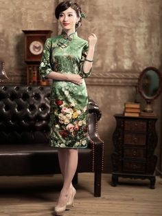 Green 3/4 Sleeves Short Floral Silk Qipao / Cheongsam / Chinese Evening Dress