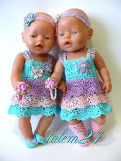 Baby Born dolls in crochet dresses Baby Born Clothes, Sewing Baby Clothes, Crochet Doll Clothes, Knitted Dolls, Doll Clothes Patterns, Diy Clothes, Crochet Dresses, American Girl Crochet, Baby Girl Crochet