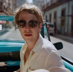 Our life would be perfect Tom Odell, Leo Decaprio, Jack Sparrow Quotes, Tom Peters, Top Shoes For Men, Piano Man, Casual Wear For Men, Famous Singers, Tom Hardy