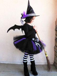 Visita nuestro artículo y descubre todos los tips para hacerte un disfraz de bruja malvada. Existen versiones que seguro no sabías. #halloween #bruja #disfraz #costume