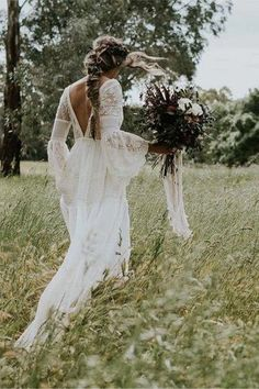 Robes Country, Country Wedding Dresses, Bohemian Wedding Dresses, Long Wedding Dresses, Bohemian Bride, Bohemian Weddings, Off Shoulder Wedding Dress Bohemian, Unusual Wedding Dresses, Hippie Bride