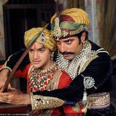 Shakti Anand teaches his on-screen son Faisal Khan to wield the sword on the sets of telly show Bharat Ka Veer Putra, Maharana Pratap.