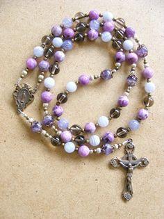 handmade rosary - design Catholic Churches, Praying The Rosary Catholic, Catholic Medals, Holy